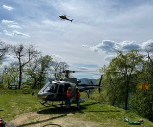 elicottero and pompieri image