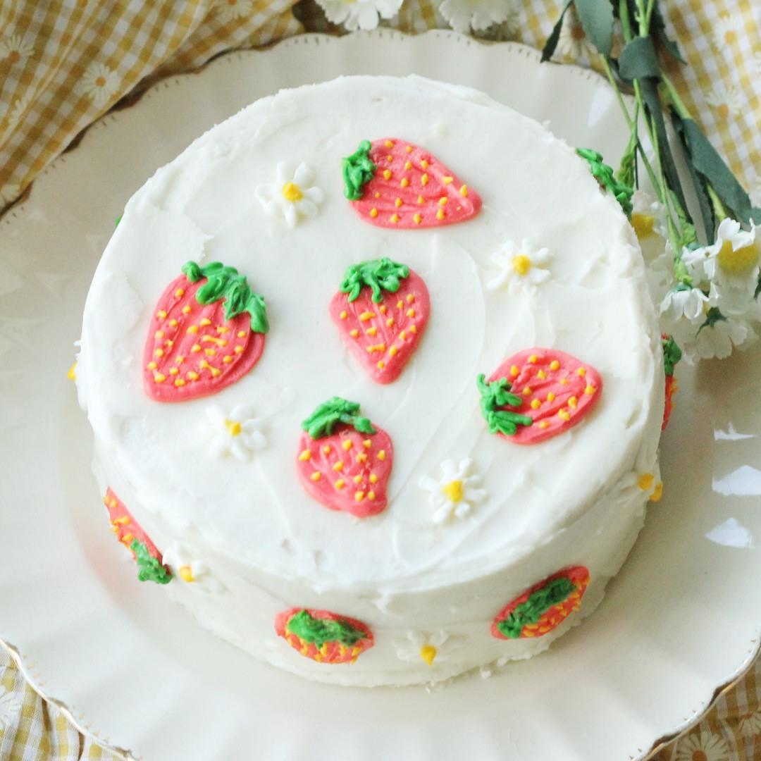 cake and daisy image