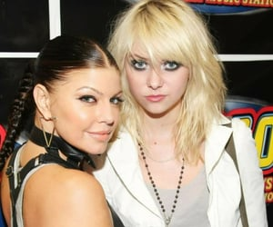 Taylor Momsen, the pretty reckless, and music station image