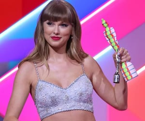 13, Taylor Swift, and Ts image