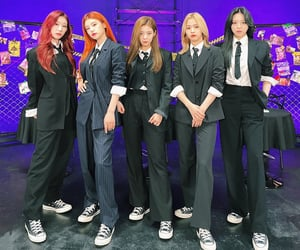 suit, women in suits, and itzy image