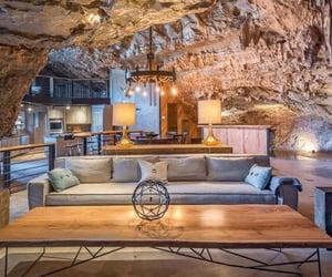 Maison incroyable cachee dans une grotte de larkansas