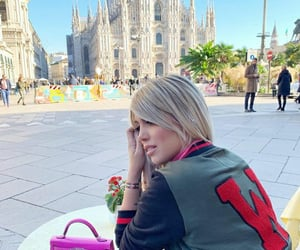 look, wanda nara, and perfect image