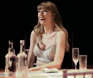 Taylor Swift and swifties image