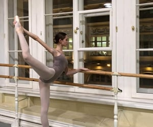 Earlier this year, Anna Shishanova joined the Mikhailovsky Theatre corps de ballet. Anna is still studying at Vaganova Ballet Academy and will be combining her studies with work.