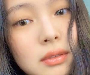 jennie, selfie, and jenniekim image
