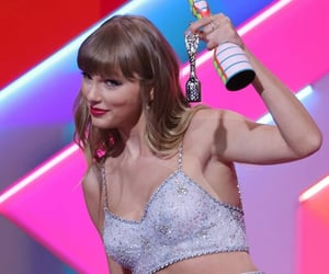 award, taylor, and celebrity image