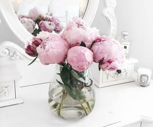 flower, bouquet of flowers, and flowerscrown image
