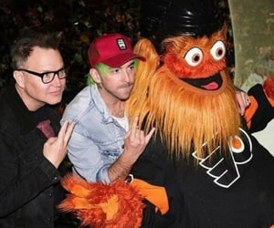 alex gaskarth, mark hoppus, and all time low image