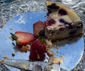 aesthetic, birthday, and cake image
