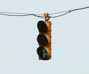 phone wallpaper, minimalism, and traffic light image