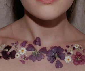 aesthetic, collarbone, and daisy image