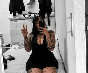 aesthetic, goth, and plus size image