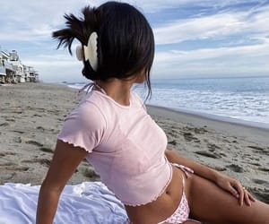 beach, chill, and jewellery image