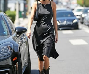 kendall jenner and street style image