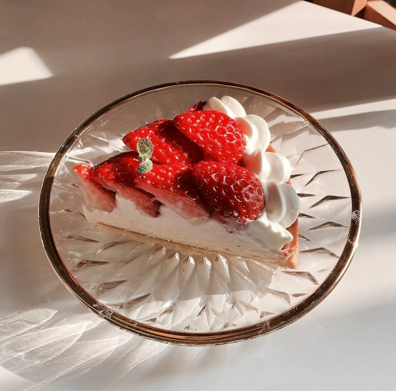 aesthetic, cake, and strawberries image