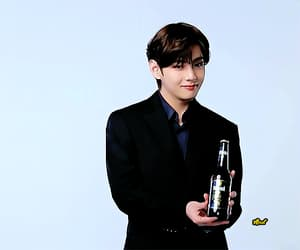 gif, taehyung, and bts image