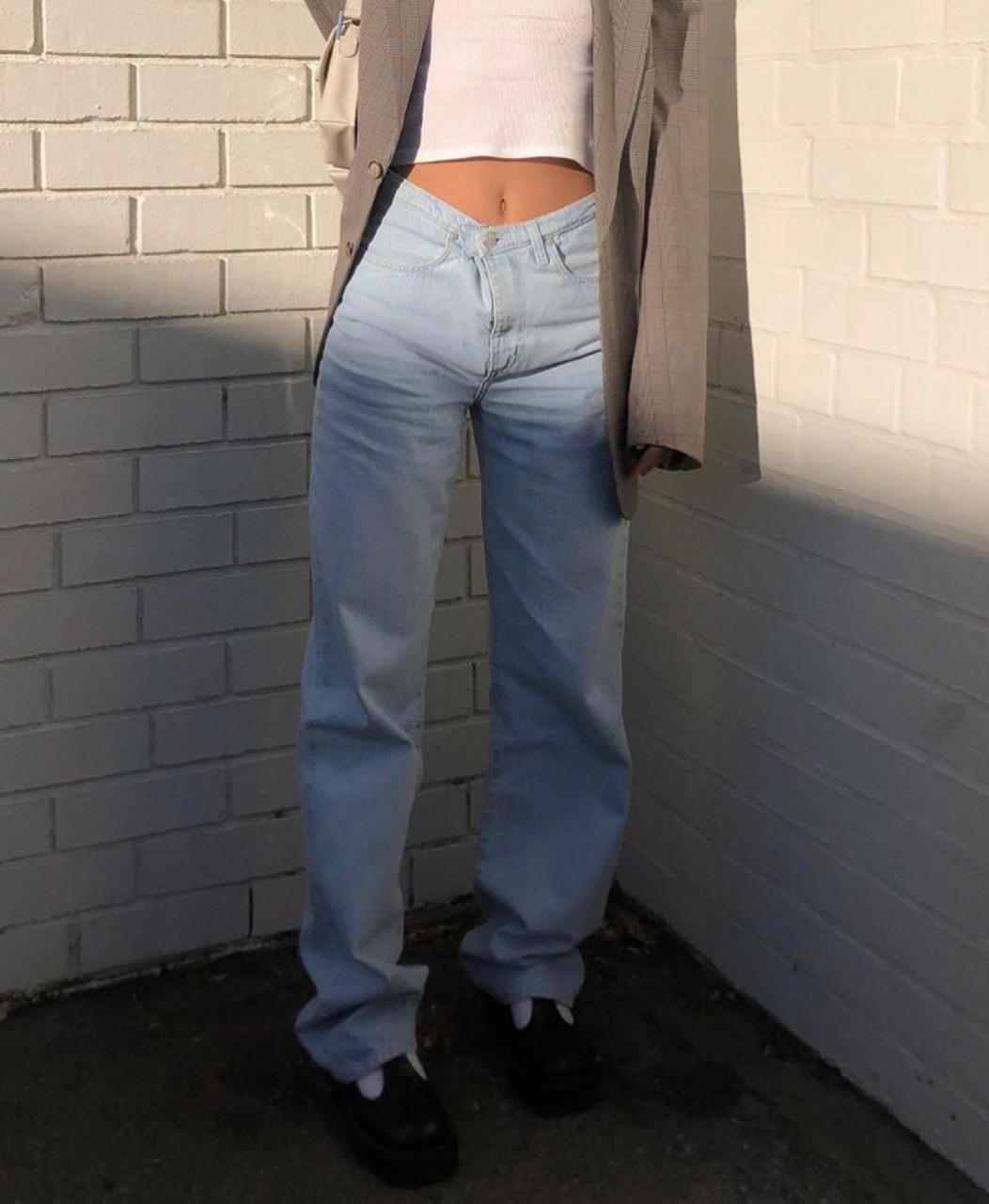 grey blazer, everyday look, and wide leg pants image