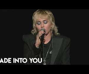 Miley Cyrus - Fade Into You (Mazzy Star Cover)