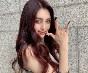 girls, korean, and lq image