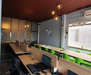 phong hop, văn phòng chia sẻ, and chỗ ngồi làm việc image