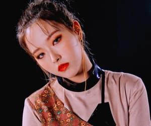 yves, by femadols, and jinsoul image