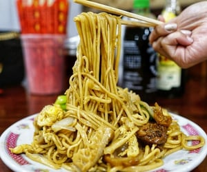 chinese food, noodles, and nyc image