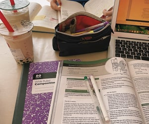 Study with my sister. 📖📚