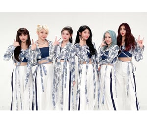 blue, kpop, and everglow image