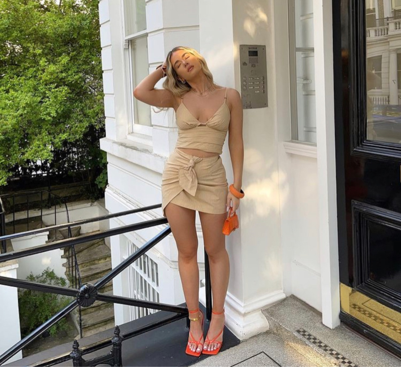 mini skirt, summer, and everyday look image
