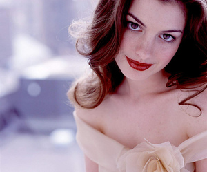 Anne Hathaway and diva image