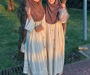 dress, islam, and modest image
