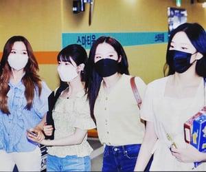 hyunjin, yeojin, and haseul image