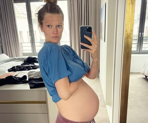 bump, model, and pregnant image