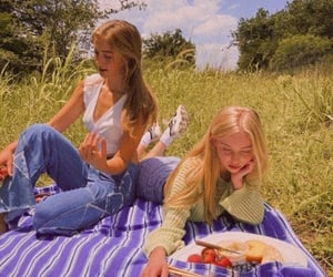 aesthetic, girl, and picnic image
