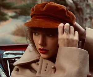 Taylor Swift, red, and singer image