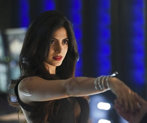 shadowhunters and isabelle lightwood image