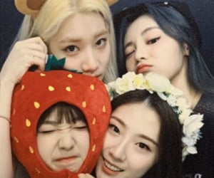 loona, yeojin, and haseul image