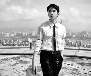 black and white, gambler, and kihyun image