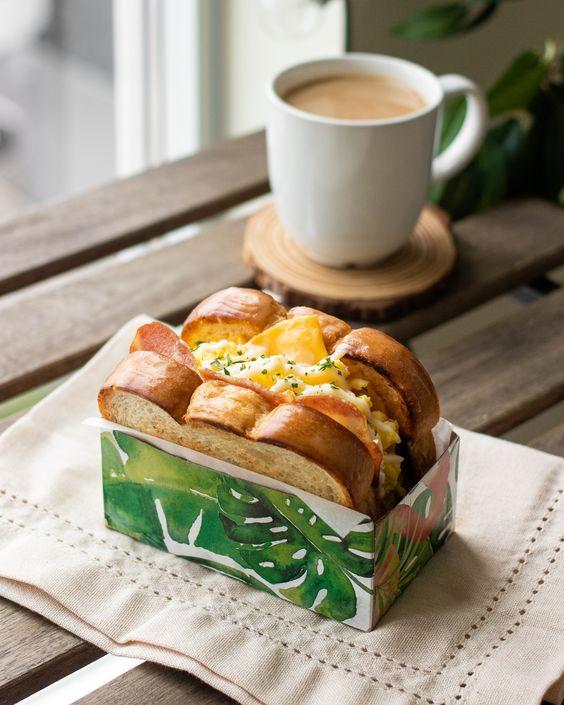 coffee and sandwich image