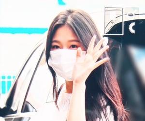 girls, lq, and hyunjin image