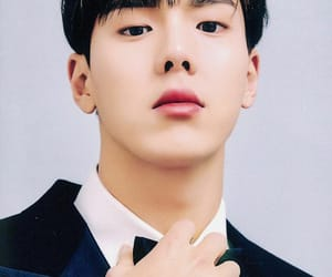 handsome, agent, and shownu image