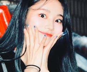 girl, odd eye circle, and jung image