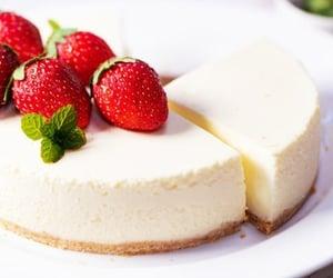 Strawberry-vanilla cheesecake ❤❤