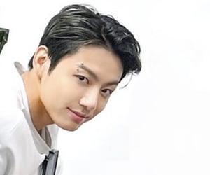 idol, korean, and jeon jungkook image
