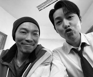 hot boy, korean boy, and vincenzo image