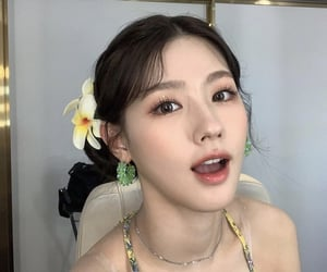 miyeon, (g)i-dle, and idle image
