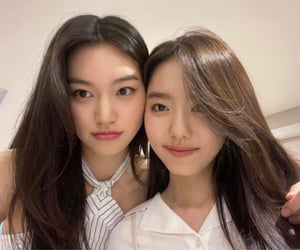 girlgroup, kim doyeon, and sohye image