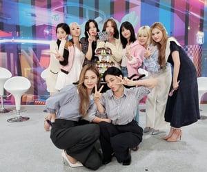 momo, jeongyeon, and twice image