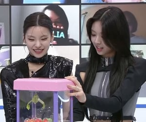 kpop, yuna, and lq image